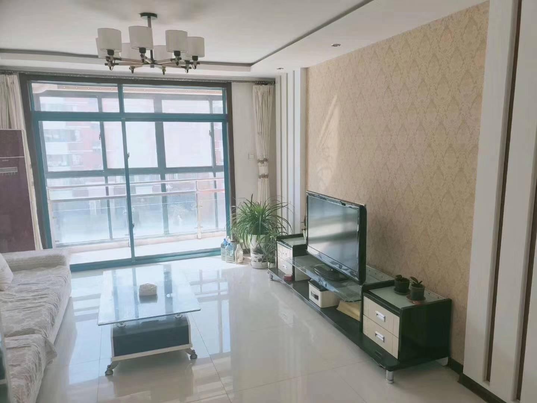罗马阳光城小区,3楼114平,精装三室,77.8万