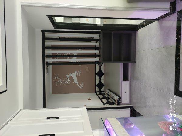 香格里拉二区2楼精装101平三室一厅,全家平开内倒窗,