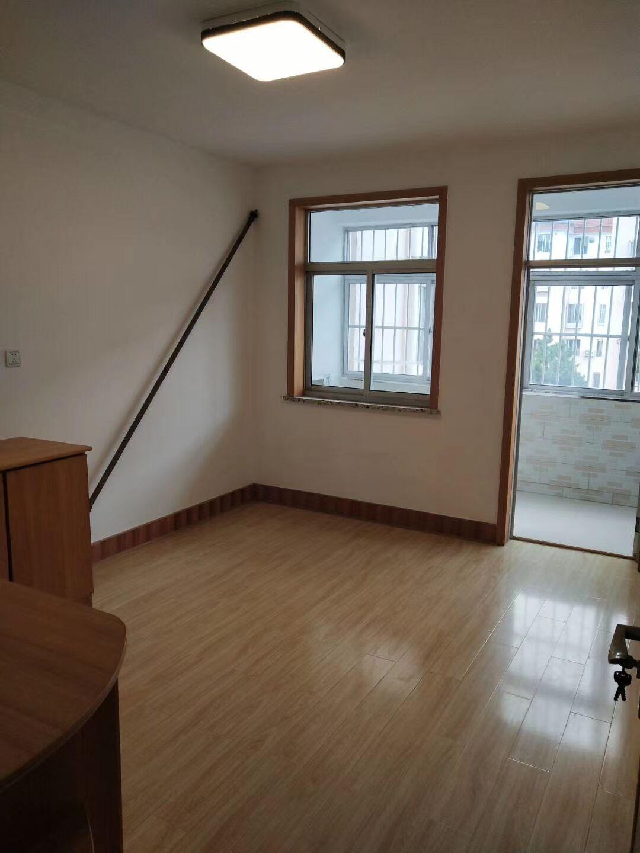 静园小区 2楼 稀缺房源 精装72平