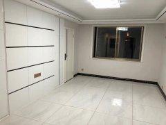 前源小区二楼精装修88平,三室一厅,53万